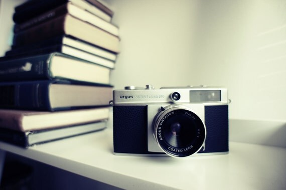Vintage Argus 270 Instant Load Camera