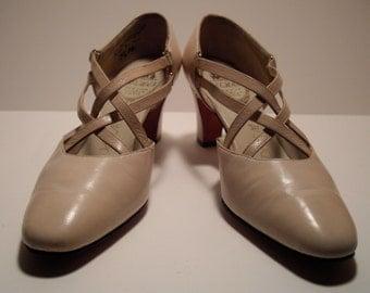 VINTAGE 1950s DELMAN Biege Strapped Leather-- handmade 7 1/2 shoe-- London, Paris, New York