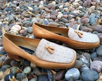 vintage Etienne Aigner brown Leather  Tasseled Loafers