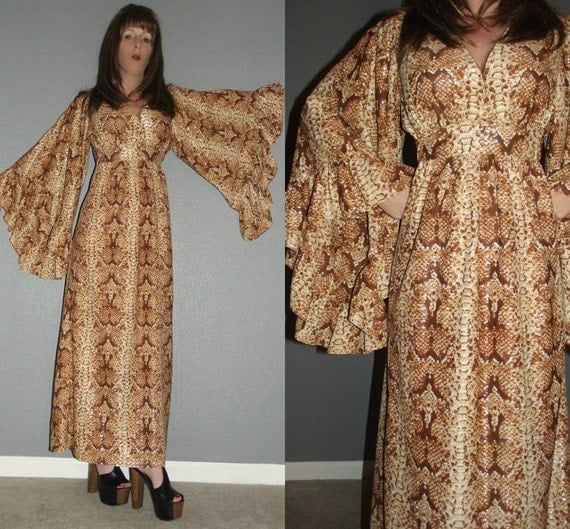 SM Vintage 70s Brown Creme Snakeskin ANGEL Bell Sleeve Ruffle Boho Hippie Hostess Goddess Maxi Dress