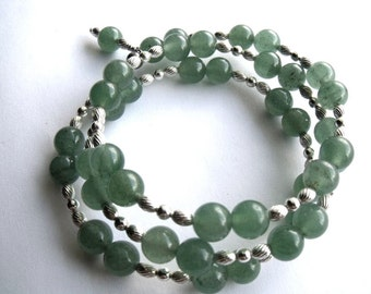 Green aventurine coil memory wire bracelet, green beaded jewelry