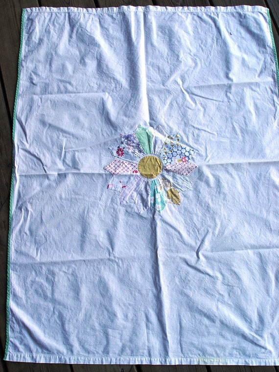 Charming Vintage Doll Coverlet with Desden Plate Design and Green Trim