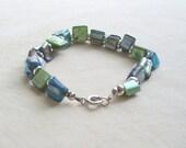 Sea colored glass bead bracelet