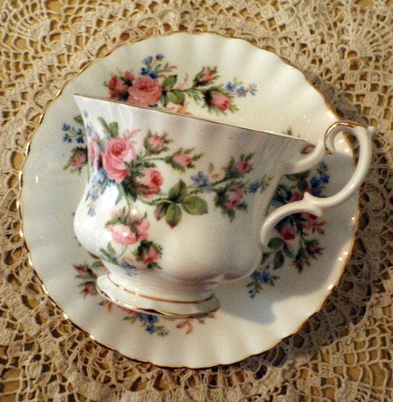 Moss Rose Garden Royal Albert, Pink Garden Teacup and Saucer