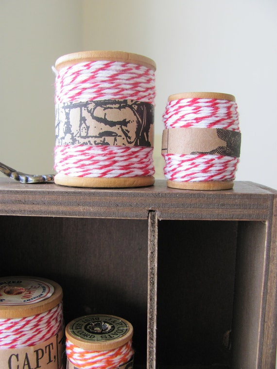Bakers Twine RED / WHITE ( 30 metres ) with vintage wooden spool.