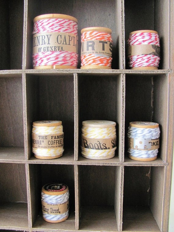 Bakers Twine BLACK & WHITE  ( 10 metres ) with vintage wooden spool.