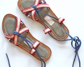 Leather Seraphine sandals in nude and burgundy