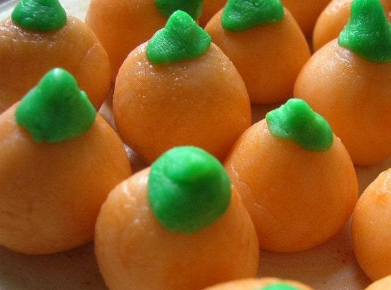 Vegan Mallocreme Candy Pumpkins With Candy Corn Plush Gift Set