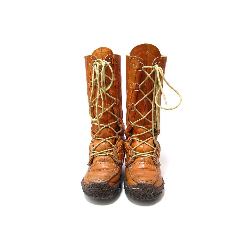 Moccasin Mukluk Boot Size 8