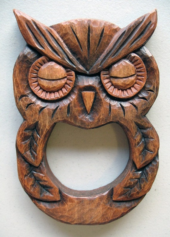 Wood carving wooden owl towel hanger