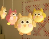 "Baby crib mobile, owl mobile ""Cute owl - Yellow"""