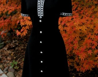 VTG 60s/70s Black & Silver Party Dress - Silver Metallic Thread Detail and Rhinestone Buttons