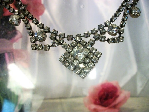 La Rel rhinestone vintage necklace