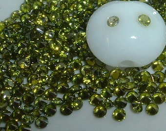 2mm PERIDOT CZs - pkg of 20 Perfect for Lampwork Beads, Polymer Clay or PMC
