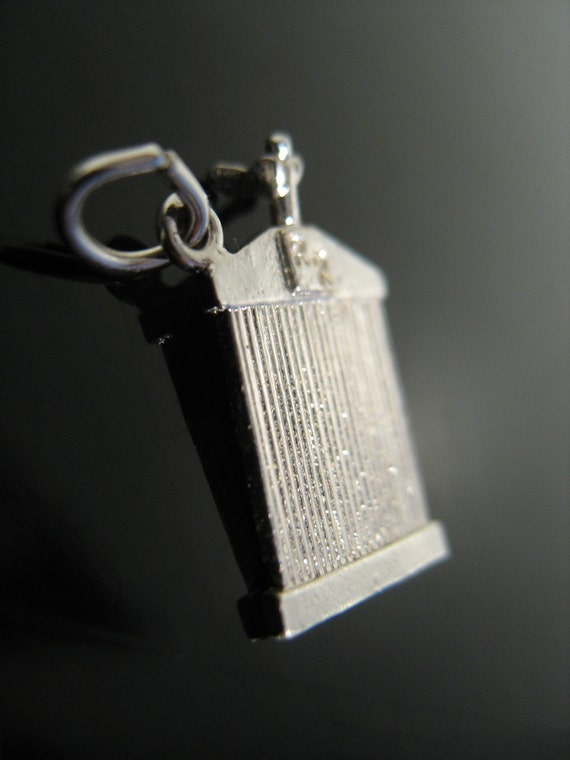 """Vintage Sterling Silver 50s CHARM """"Rolls Royce"""" Car Grill"""