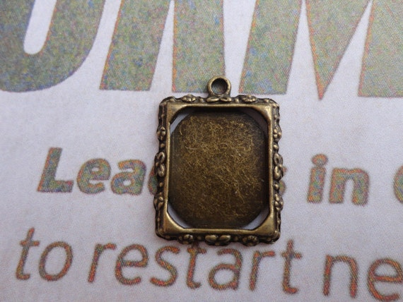 30pcs 21x17mm antiqued bronze photo frame charms
