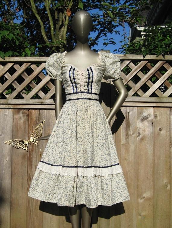 RESERVED  for Lauren Beckstein Vintage Gunne Sax style Lace Up CORSET  Hippie Cotton CALICO Praire dress S M