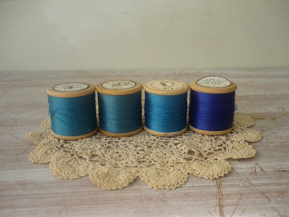RESERVED for Sirpa 1/7 - 4 Wooden Spools - Riviera Collection