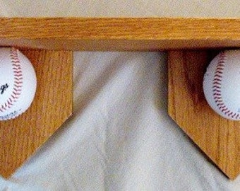 Shelf, baseball theme, different sizes available. Perfect to show off your Trophy.