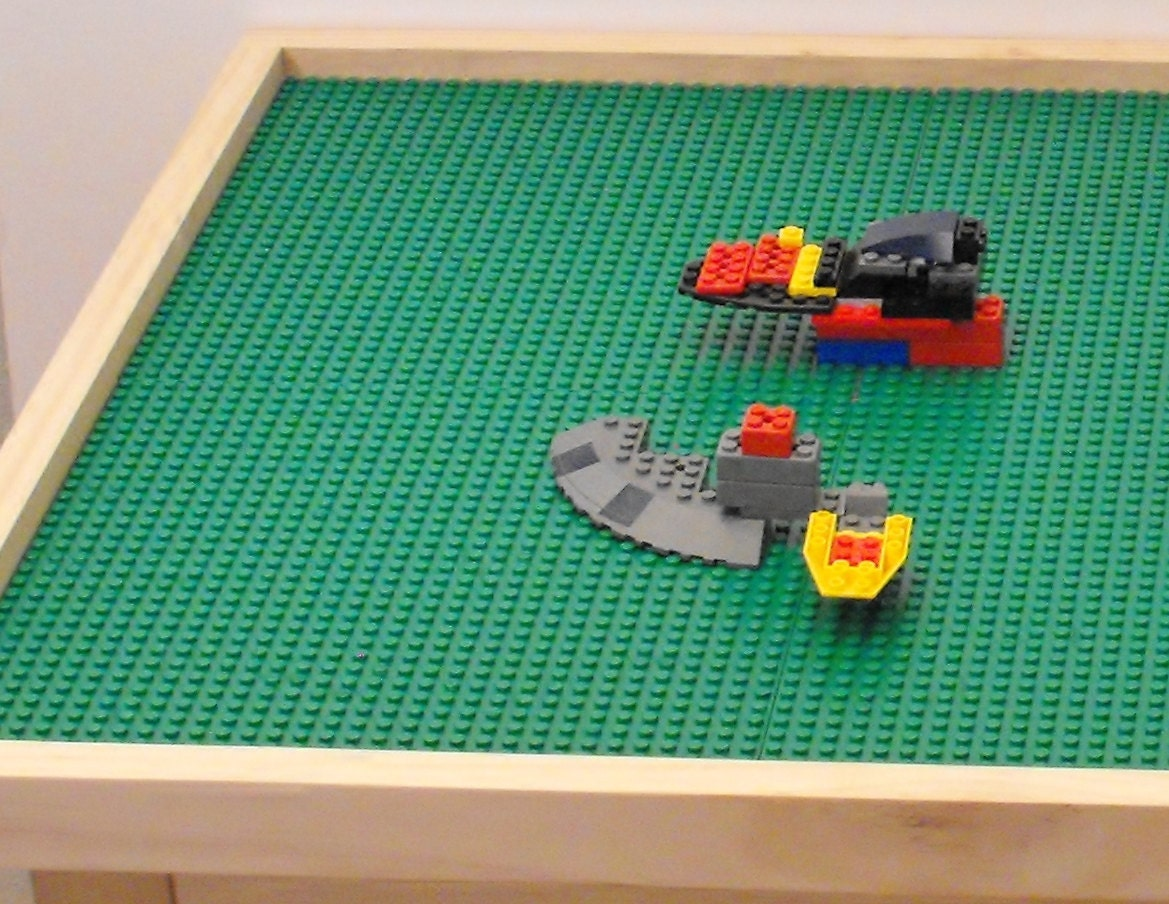 Extra Large lego activity table with 8 lego plates 22