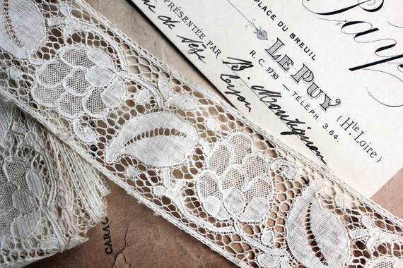 """Vintage french lace (73"""" long) - perfect vintage condition - large ribbon fruit and leaves"""