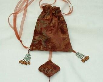 A125   Lady's Medieval Renaissance Drawstring Bag with sachet