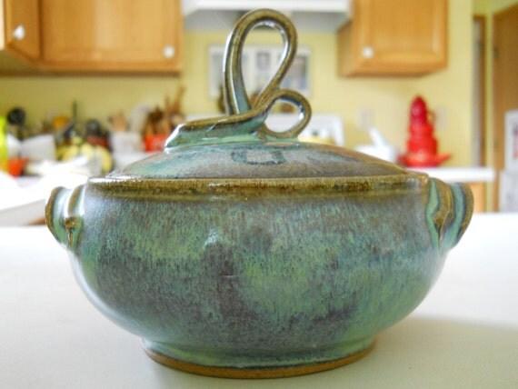 Small lidded stoneware casserole dish