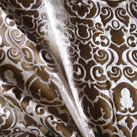 Damask Illusion - Ivory Velvet Fabric With Gold Printing Technique