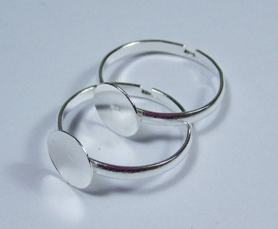 Silver Ring--30pcs Shiny Silver Ring Base Adjustable with 8mm Round Pad