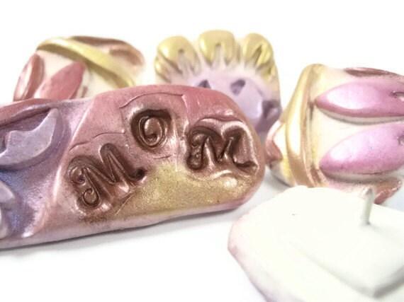 Decorative Push Pins - Thumbtacks - Mom - Pastel Flowers - Set of 6