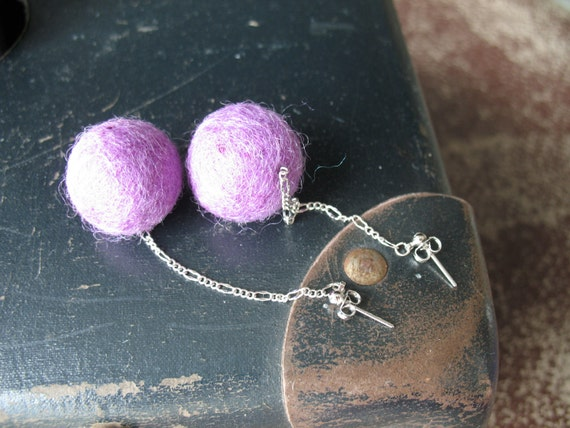 Long studs earrings with violet felt wool balls Violet bubbles