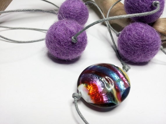 Long necklace with violet felt wool balls and murano glass bead 'Purple dream'