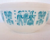Amish Butterprint Pyrex  2 1/2 QT Mixing Bowl