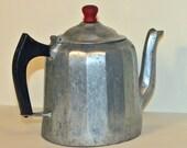Metal Tea Kettle Wagner 1902 2 QT, Sydney, Ohio