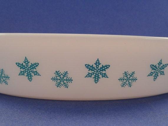 Blue Snowflake Casserole Dish, Vintage Pyrex, White Milk Glass