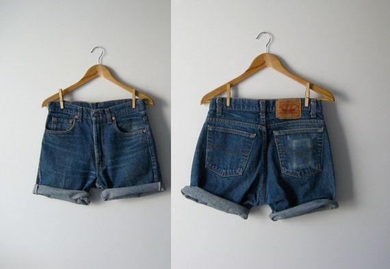 vintage denim cutoff shorts / Levis shorts