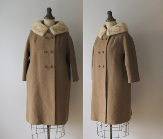 vintage fur collar coat / 1960s coat / fur trim 60s coat