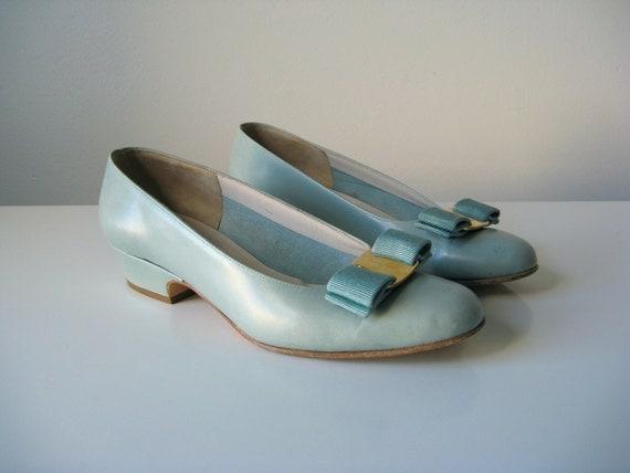 vintage Ferragamo bow shoes / vara shoes