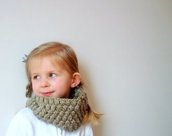 Crochet pattern pdf Girl Adult Cowl Neck warmer Scarf. Puffer Scarf. Christmas Birthday gift 3 sizes (021)