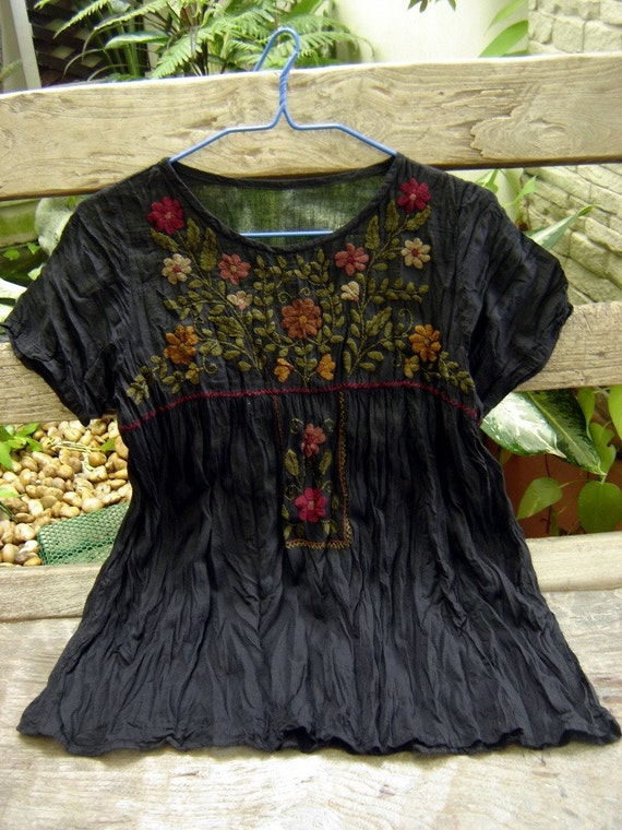 Short Sleeves Bohemian Embroidered Top in BLACK