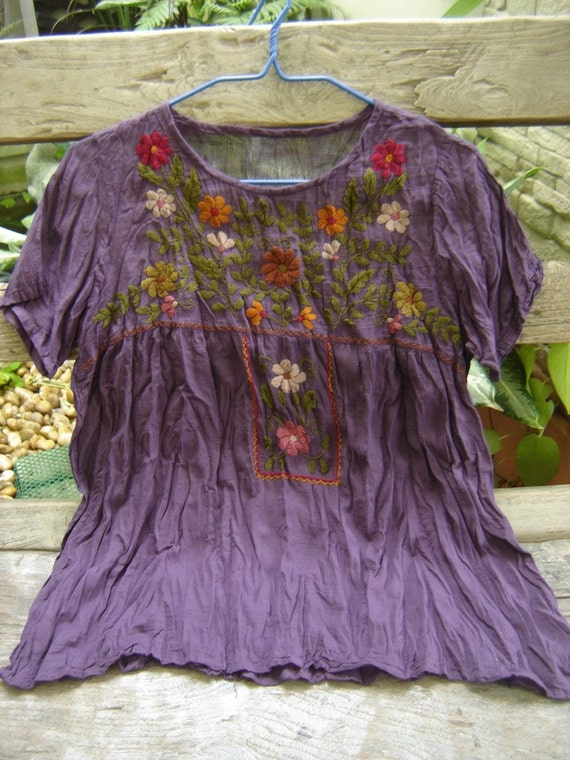 Short Sleeves Bohemian Embroidered Top in Dark PURPLE
