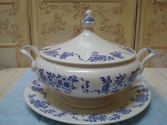 Vintage Italian Laverno Soup Tureen White And Blue Floral