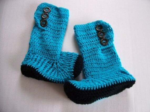Ugg looking Hand Crochet Slipper Boots for Teens and Adults by Kams-store.com