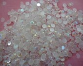 White rhinestones candy color decoden deco diy.  4 mm  more than 100 pcs---USA seller