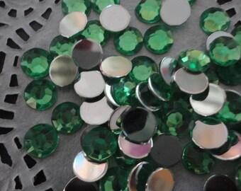 Light emerald green acrylic rhinestone  8 mm    50 pcs--USA seller