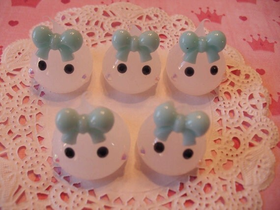 Last set----Super kawaii white translucent teardrop with light blue bow   5 pcs