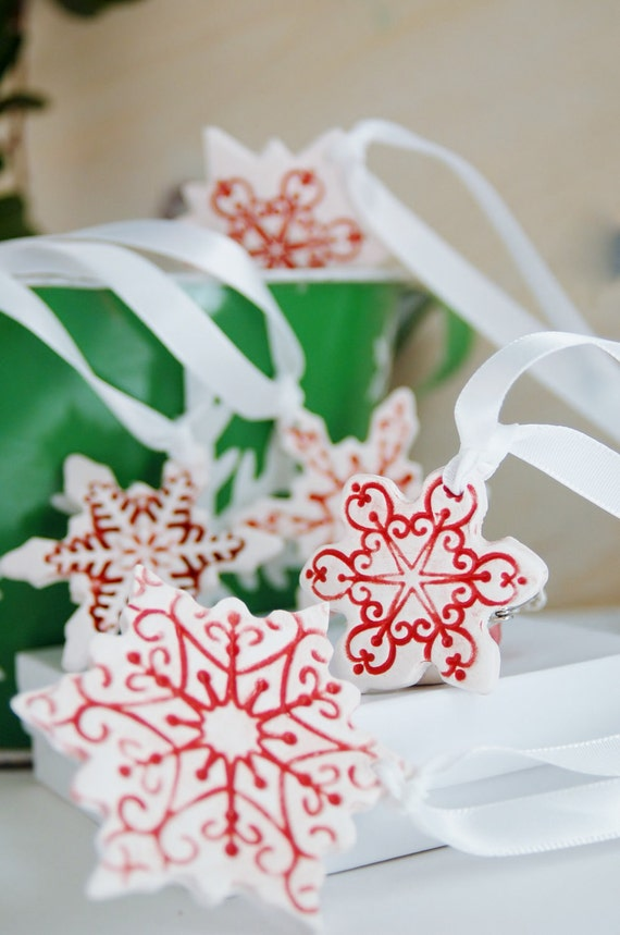 Snowflake ornaments can be scented 5