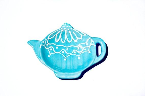 Light blue tea dish with shabby chic look