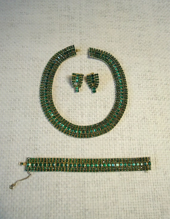 40's Rhinestone Necklace/ Green Emerald Glass Set, Earrings, Bracelet, prong settings/ Egyptian revival choker design