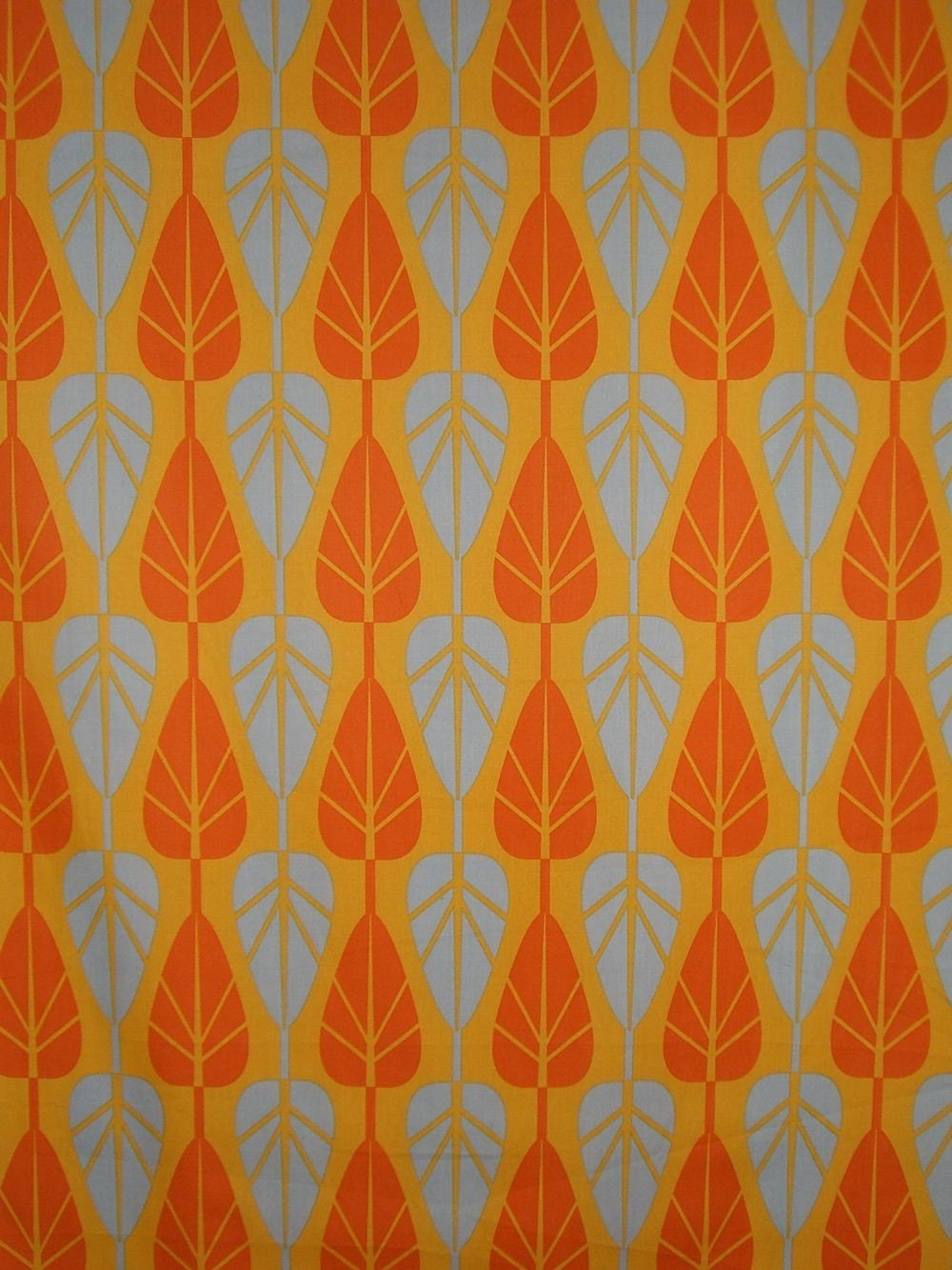 Remnantleaf Pattern Modern Cotton Print Fabric In Orange And